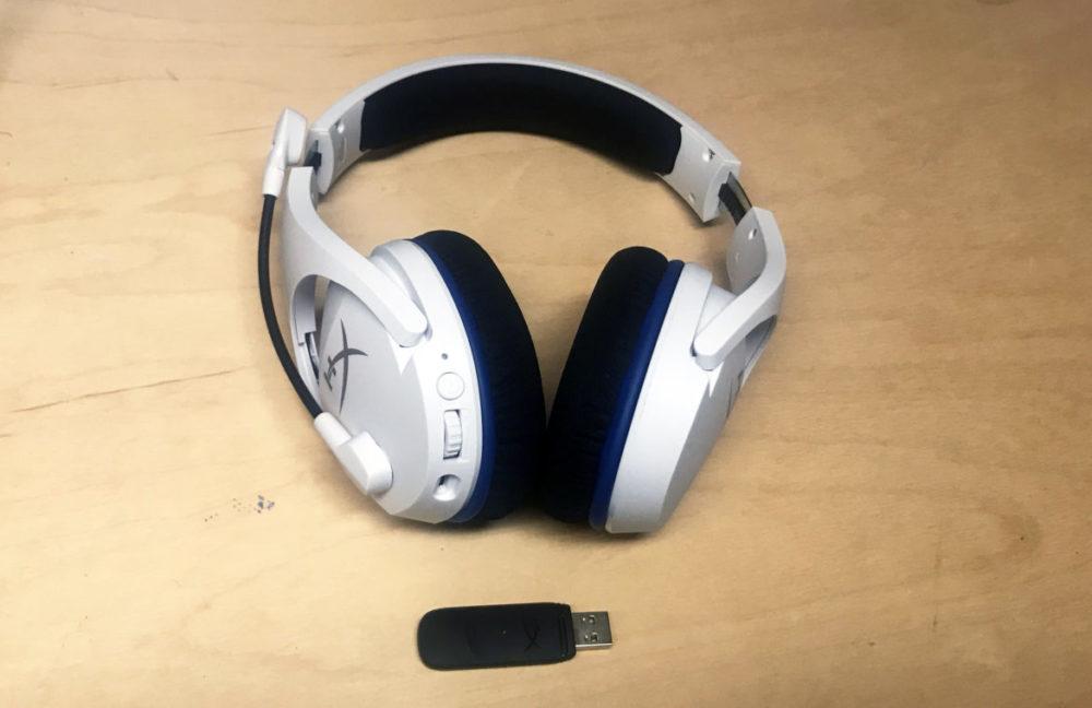 HyperX Cloud Stinger Core Wireless Headphones with USB dongle. Photo: Senses.se